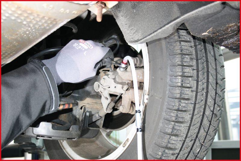 KS Tools Bremsen entlueften